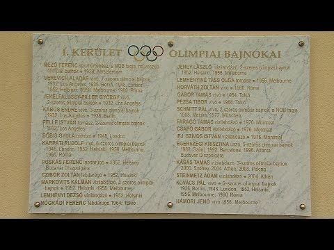 Olimpiai bajnokok emléktáblájának koszorúzása - video preview image