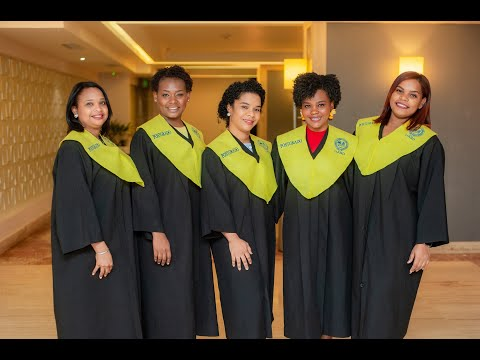 Graduación de las primeras 21 enfermeras especialistas en atención gineco obstétrica y neonatal de República Dominicana