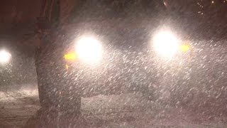 preview picture of video '11/17/2014 Grand Rapids, MI Night Time Lake Effect Winter Storm B-Roll'