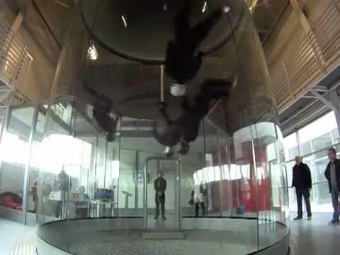סרטון מדהים - רוקדים באוויר