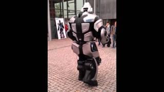 preview picture of video 'Nox - The Robot @ Pforzheim University'