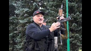 Łukaszenka chodzi z kałasznikowem tak samo jak Osama ben Laden