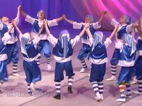 Гумми Гном - танец маленьких гномов (GUMMY BEAR)