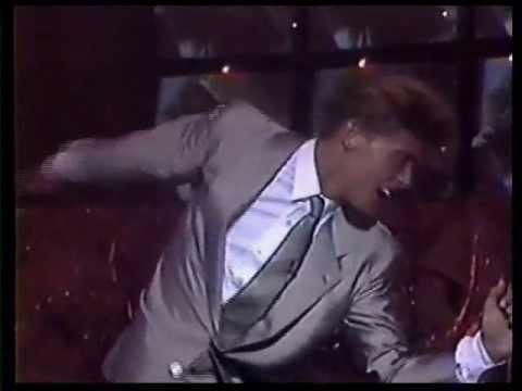 Luis Miguel - Cuando calienta el sol - Show veronica castro 89