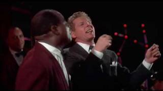 Louis Armstrong - When the saints go marching in.flv