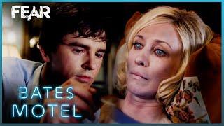 Chick Visits Norma | Bates Motel