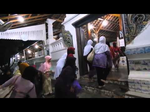 Video ziarah di cirebon
