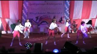 BADAL PE PAUN HAI - YouTube