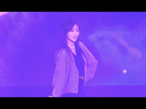 """201018 / 에이프릴 (April) 나은 직캠 """" LALALILALA """" 춘천 KBS …"""