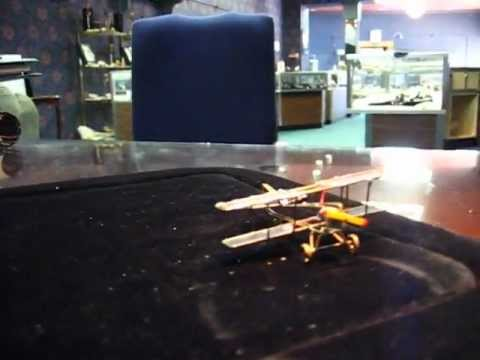 SOLAR POWERED BI-PLANE EXECUTIVE OFFICE TOY