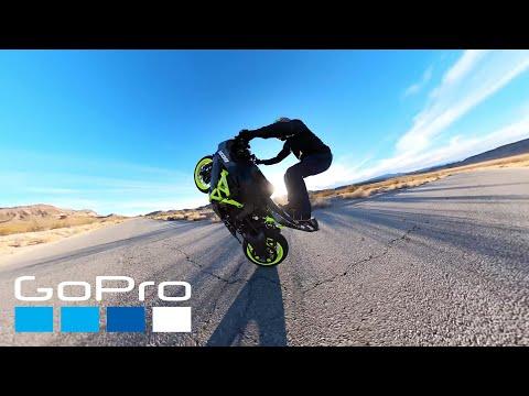 Crazy Bike Acrobatics While Popping a Wheelie