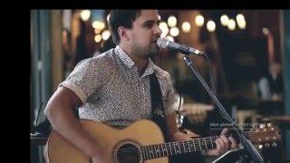 trent solo acoustic guitarist singer