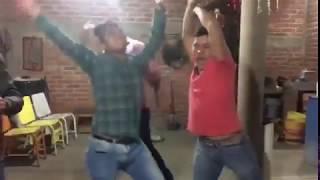 Borrachos bailando zumba