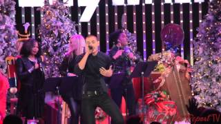 "#TheVoice's Chris Jamison sings Bruno Mars' ""Uptown Funk"" at Citywalk Tree Lighting #TheVoiceTop10"