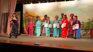 如切潮剧团在马林百列 C C 演出  〈风雨过后山更秀)黄月娇领唱  指导老师 :洪志庆