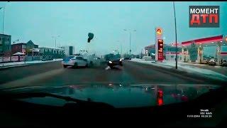 Момент ДТП: Две патрульных авто одним ударом, Астана, 11.11.2016