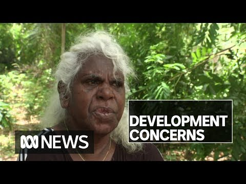 Residents worried the NT Government plans to demolish town camps | ABC News