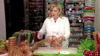 How To Make A Deco Mesh Wreath | Leisure Arts