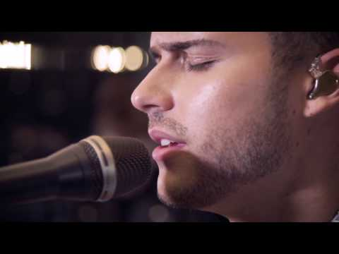 Eric Saade - Heart of a Lion (Saade Live Session)