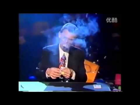 Dị nhân , đớp nguyên cả bao thuốc lá ngon lành !!! 0.0