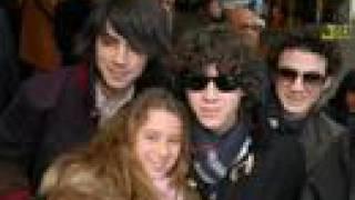 Jonas Brothers-Don't walk away