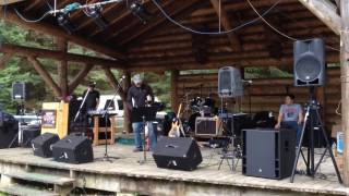 Alaska Stumpf Fiddle --- Tom Lenny playing at the Fair Weather Days Festivall