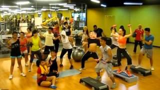 Harlem Shake Gold's Gym Bandung (Hip Hop Class)