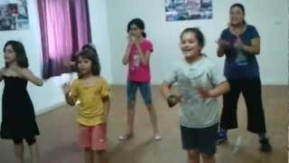 preview picture of video 'زومبا للأطفال مع آلاء-سخنين, جمعية المعيلات الوحيدات'