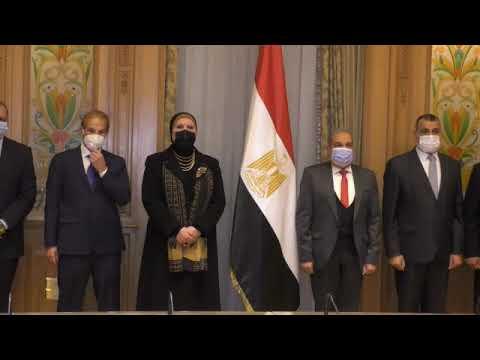 السيدة/نيفين جامع وزيرة التجارة والصناعة ووزير الانتاج الحربي يشهدان توقيع اتفاقية تصنيع مشترك