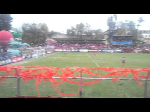 """""""Sigo siendo El Rey U5C vrs suchi 01/12/12"""" Barra: La Banda del Rojo • Club: Municipal"""