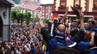 preview picture of video 'Recibimiento a la SD Eibar tras el ascenso a Segunda División.'