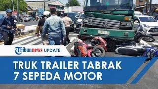 Truk Trailer di Sidoarjo Seruduk 7 Sepeda Motor saat Lampu Merah, Ada yang Tersangkut di Body Truk