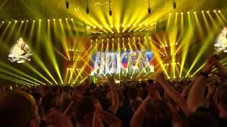 YouTube video E-card Normaal met oerend hard tijdens hun afscheidsconcert ajuu de mazzel in de gelredome te arnhem