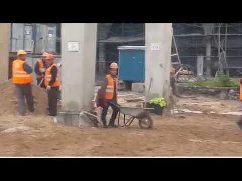 Зарплата выплачена. Привлечённые городом субподрядчики ударно строят стадион на Крестовском