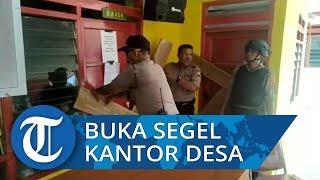 Polisi Bersenjata Kawal Buka Segel Kantor Desa Bulusibatang Jeneponto