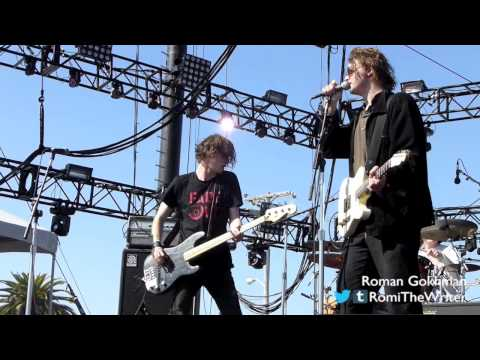 "Palma Violets, ""Chicken Dippers"" - Treasure Island Music Festival 2013"