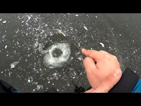 Первый лед! В поисках окуня на безмотылку
