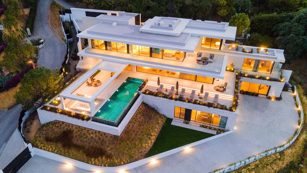 Sensational New Modern Villa with Incredible views El Madroñal, Benahavis
