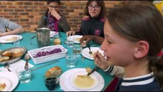 School Lunch France - Michael Moore