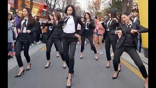 壹不小心就把原唱引出來了!下次不敢輕易在公眾場合唱歌跳舞了!