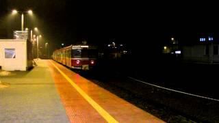 preview picture of video 'Katowice dworzec PKP - EN57-1075 jako pociąg Regio do Krakowa Głównego'