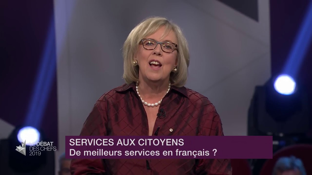 Elizabeth May answers a question about services in French