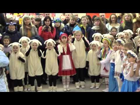 """Детская песенка-танцевалка """"А на улице мороз"""" - новогодний концерт в ТЦ """"Мануфактура"""" (Сумы)"""