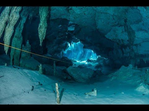 Cenote diving, Dos Ojos. Mexico