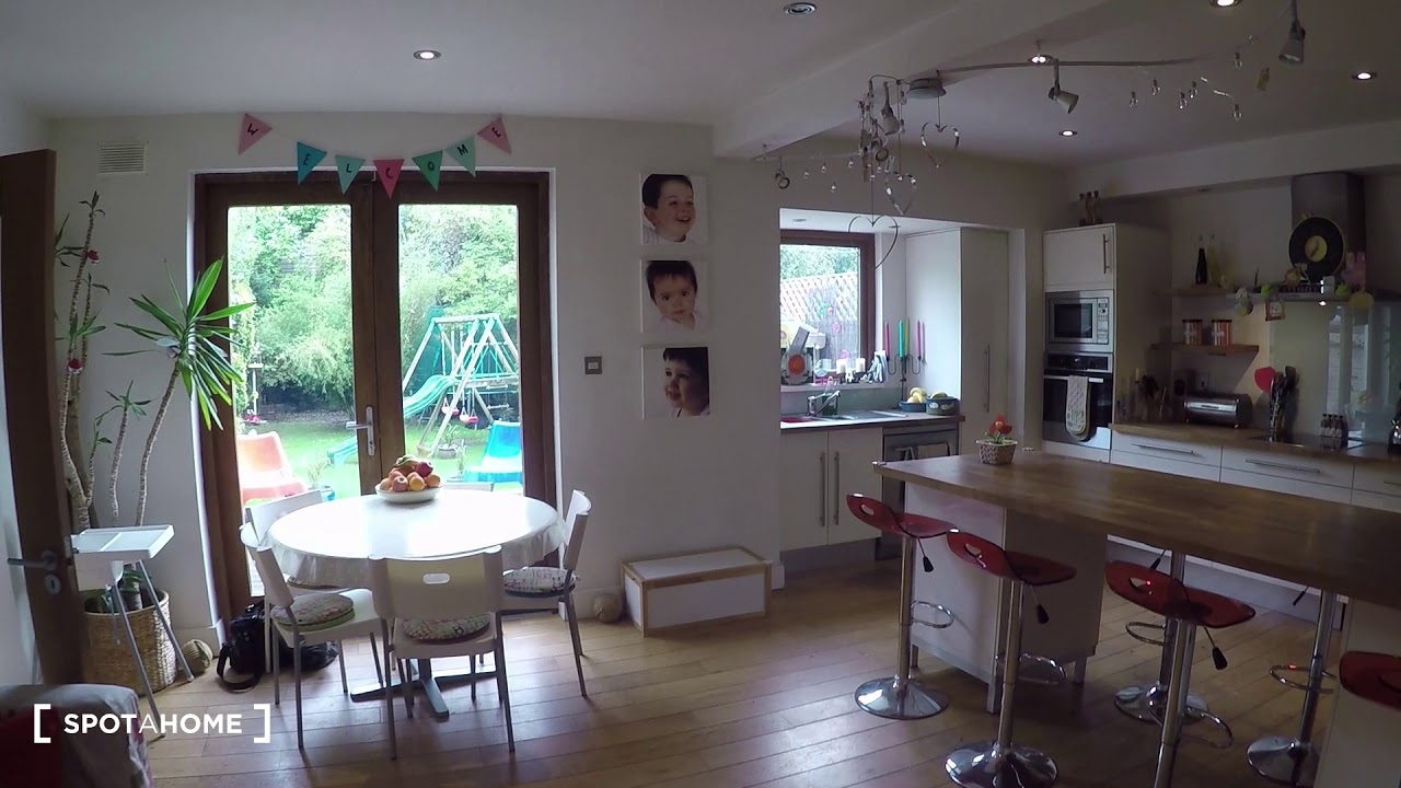 Single Bed in Room with private bathroom for rent in a 5-bedroom house with garden in Rathfarnham