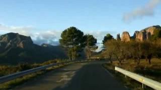 preview picture of video 'Mallos de Riglos'