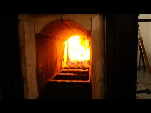 Griglia mobile Ars Caloris, combustione pellet di paglia.
