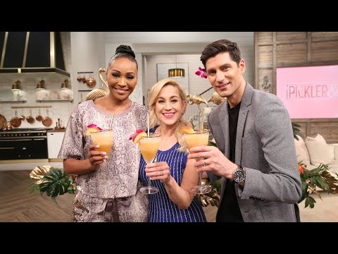 Cynthia Bailey's Peach Bellini Cocktail Recipe - Pickler and Ben