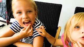 Как могли Развлекались ОПАСНАЯ Еда Трусы на Голове Видео для Детей Игры