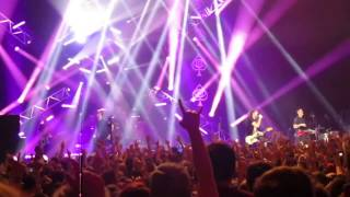 All Time Low - Kicking And Screaming // LIVE @ Hammersmith Apollo // London